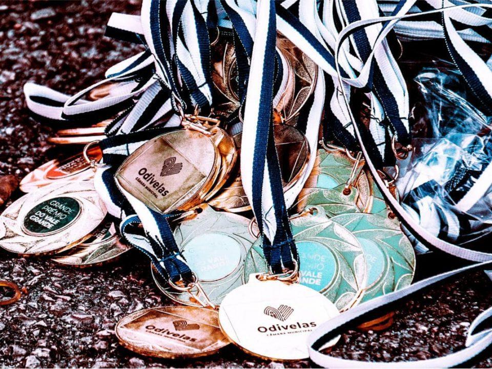 nadruk medale drewniane, odlewane, stalowe oraz wykonane z pleksi